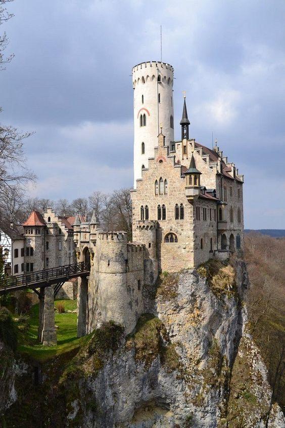 Замок, вилла, резиденция